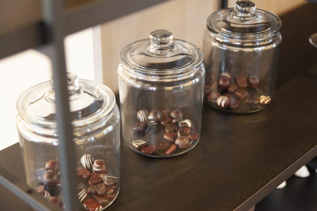 カフェスペースのチョコレート
