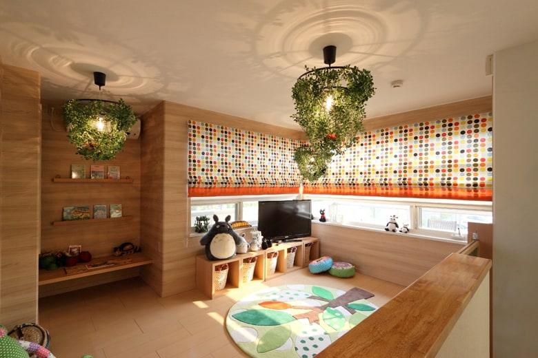「おうちミュージアム」をコンセプトにしたお子様も楽しめる住空間を体現したキッズルーム。楽しいカーテンや照明は暮らしに元気を与えてくれます。