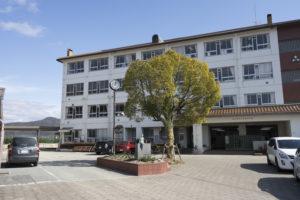 松賀中学校 約2,310m(徒歩29分)