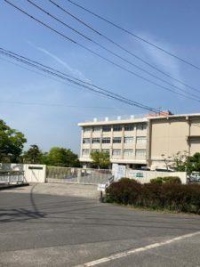 岡山市立芥子山小学校 650m(徒歩8分)<br>教育目標:夢をもち 心豊かに 共にたくましく生きる 子どもを育てる