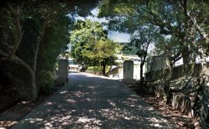 勝山中学校約2.2km
