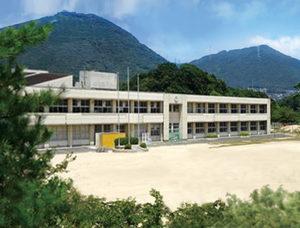 一の宮小学校約1.1km