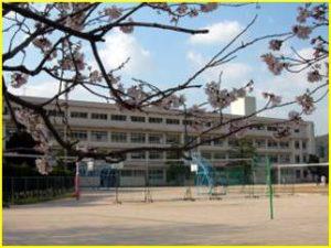 祇園中学校 約2,200m(徒歩28分)