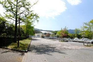 いこいの水広場 約600m(徒歩8分)