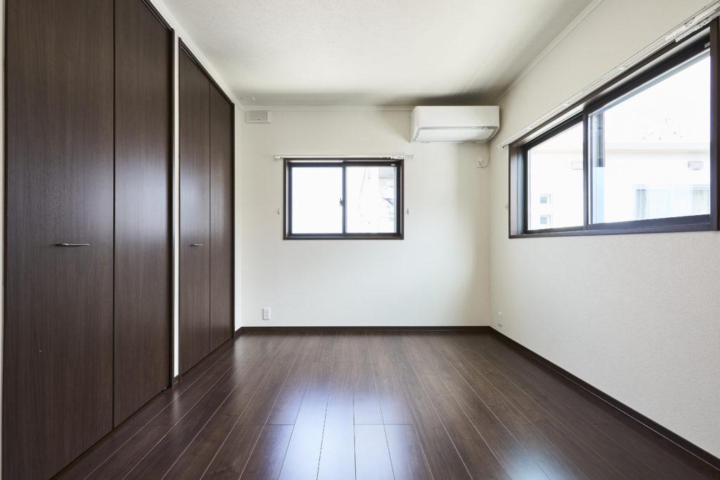 寝室はお家の北側ですが、東からの採光も期待できます。