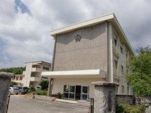 王司小学校(1100m・徒歩14分)