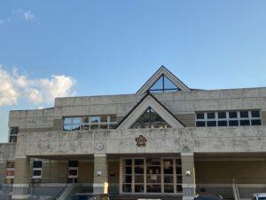 富田西小学校(約1,700m 徒歩22分)