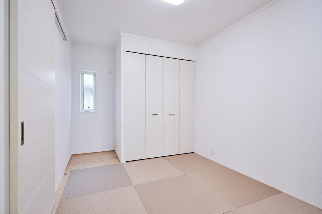 LDK内のタタミスペースはオープンでも個室としても使えます。