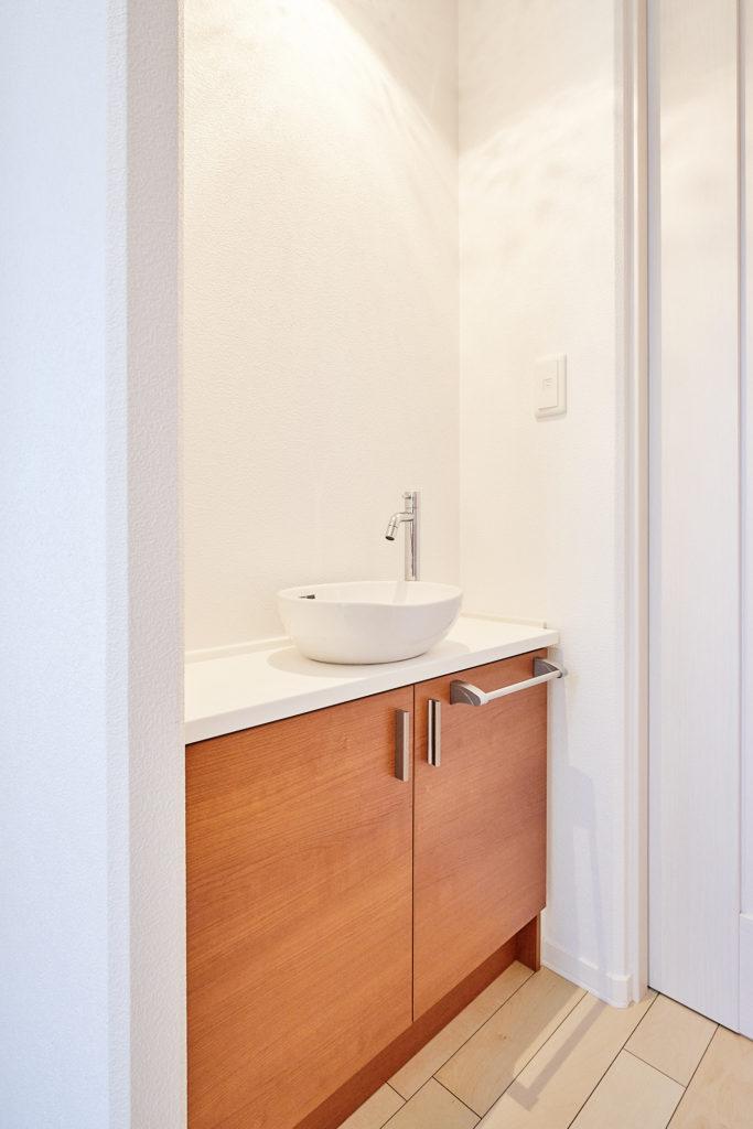 家に帰って先ず手洗い、今の世の中必要な設備ですよね。