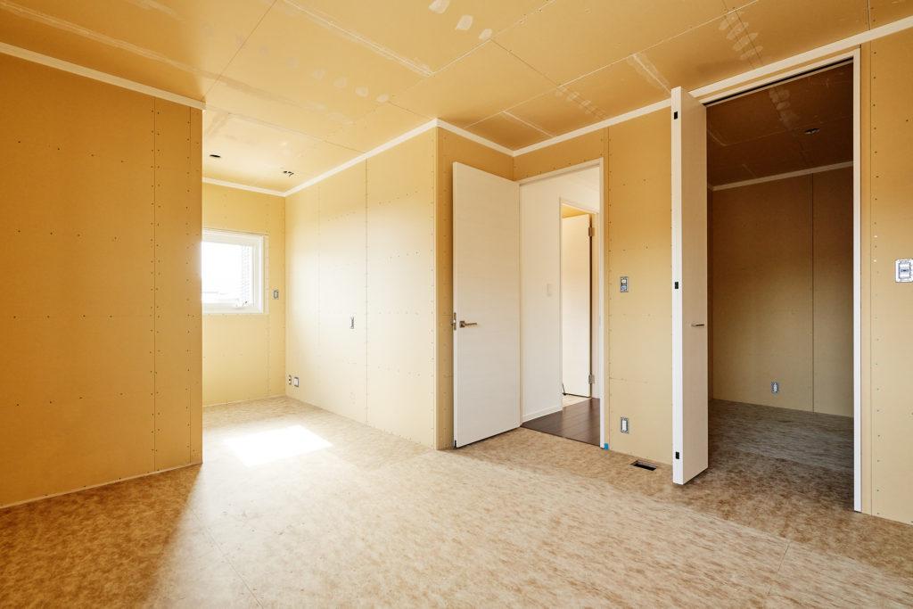 寝室の壁クロス・床材選択可能!すぐ下の特設サイトをクリック!
