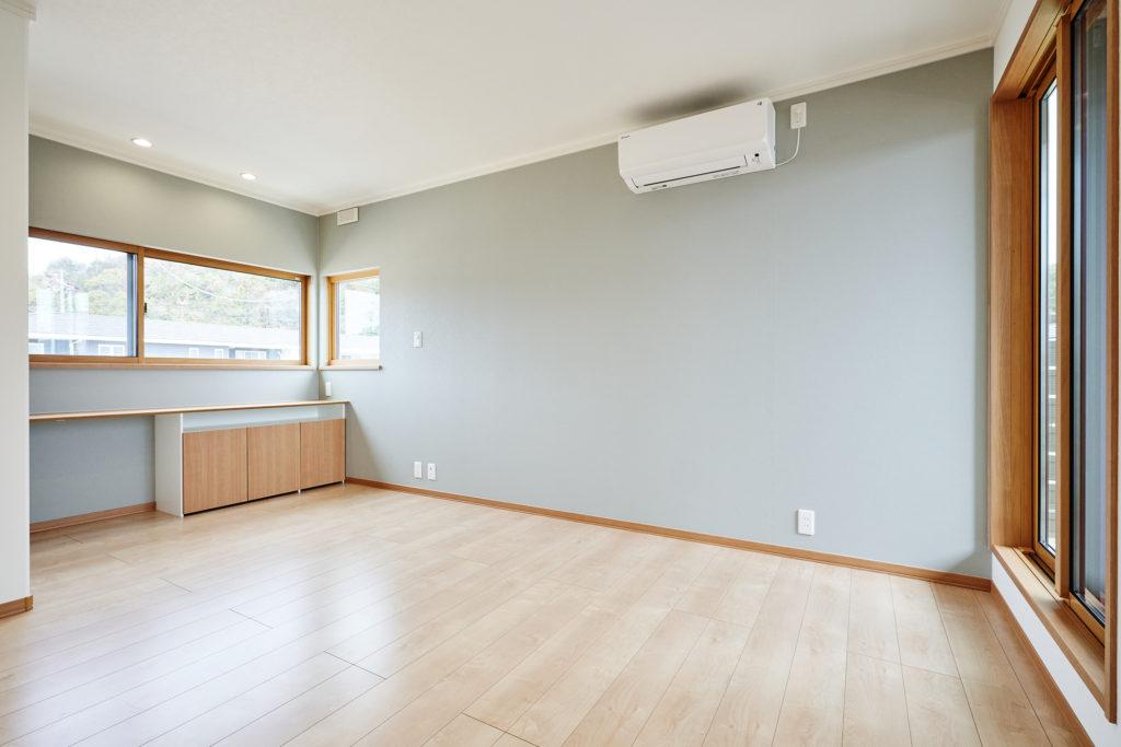 寝室の広さは収納別で9.8畳とゆったり取っています。