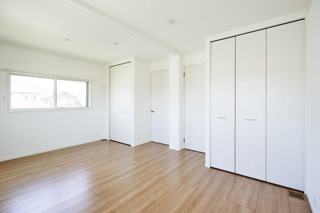 子ども室は当初大きな1部屋ですが、将来簡単に壁で仕切れます。