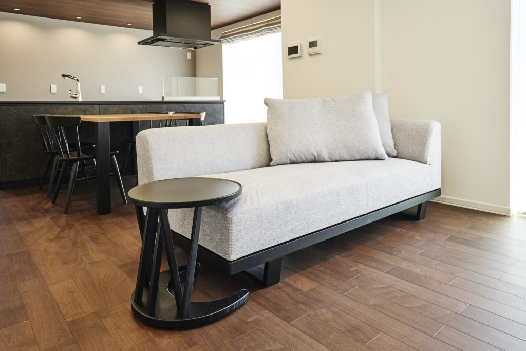 大きなソファーも置ける広いリビングです。